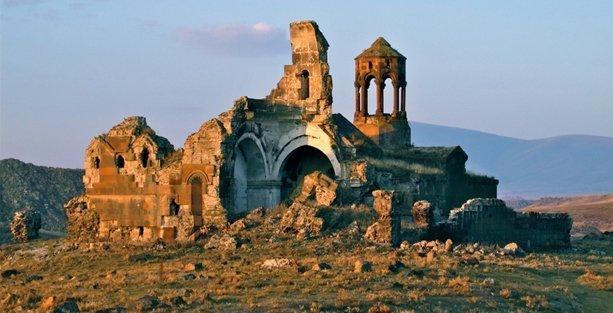 Anadolu'daki Ermeni kültürel mirası konuşuldu