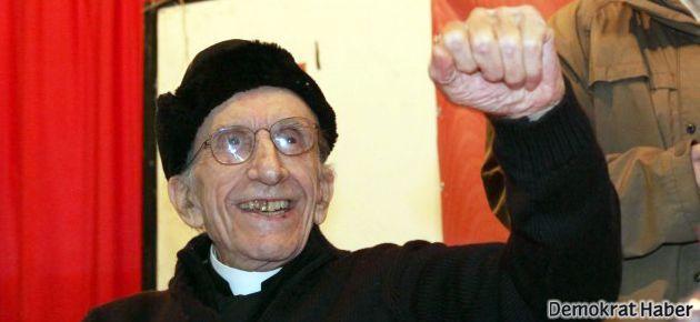 Anarşist Rahip Don Gallo hayatını kaybetti