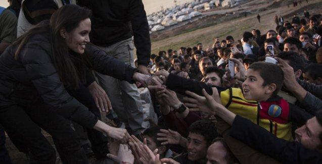 Angelina Jolie Ezidi kampını ziyaret etti: BM de yeterli yardımı yapmıyor