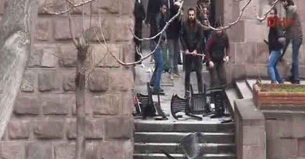 Ankara Üniversitesi'nde saldırı, gözaltına alınanlar ve yaralılar var