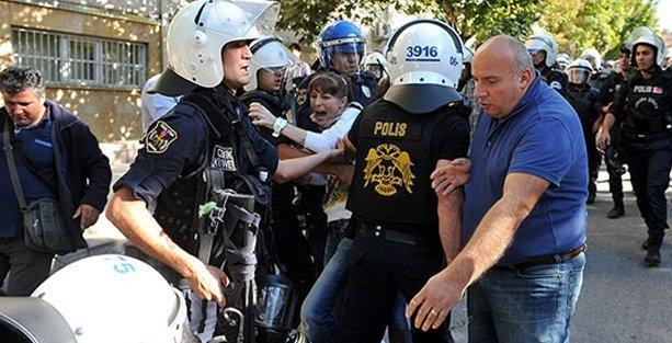 Ankara Üniversitesi'nde polis araştırma görevlileri ve öğrencileri darp etti