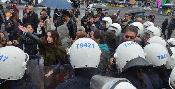 Ankara'da kadınlara polis müdahalesi