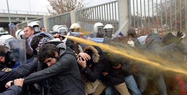 Ankara'da öğrenci eylemine polis saldırısı