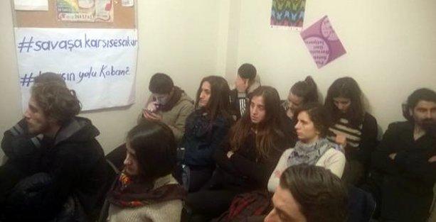 Anti-Militaristler Kobani'deki özsavunmayı tartıştı