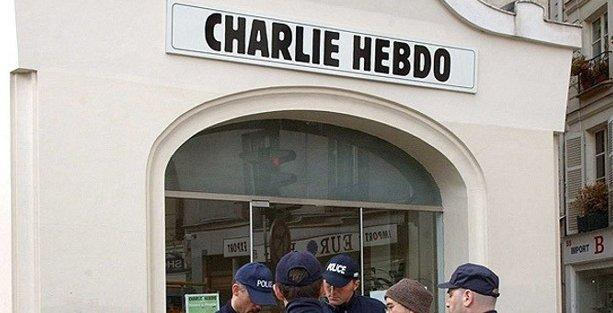 Antikapitalist Müslümanlar, Charlie Hebdo saldırısı tweeti için 'özür' diledi