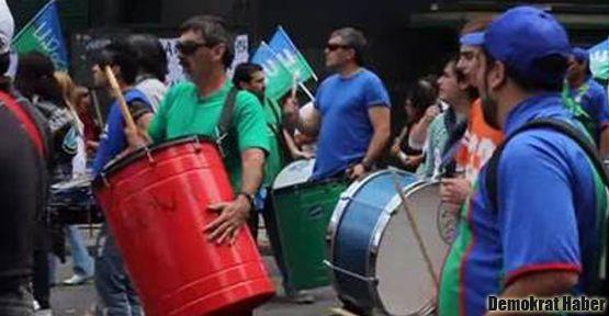 Arjantin'de işçiler ayakta