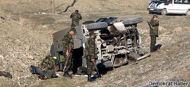 Askeri araç devrildi: 3 asker öldü