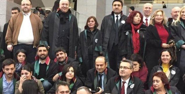 Avukatlar İç Güvenlik Paketi'ne karşı 'adalet' nöbetinde