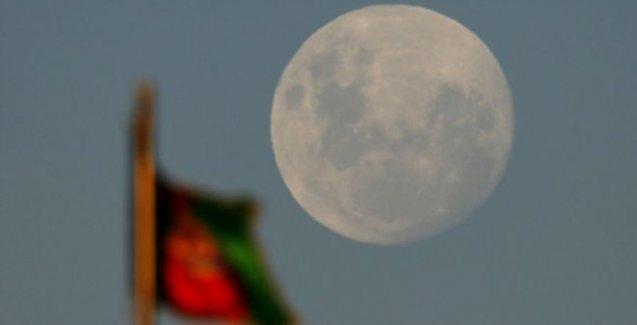 Ay, Dünya'dan 18 kat uzaklaştı