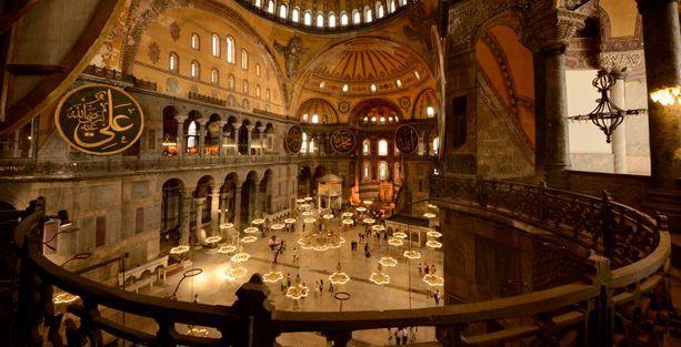 'Ayasofya müze kalmalı, ibadete açılacaksa kilise olarak açılmalı'