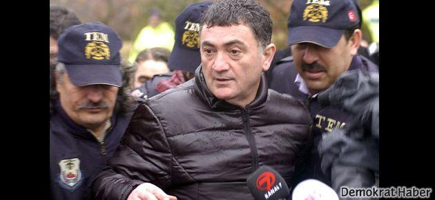 Ayhan Çarkın: Tertemiz Kürt halkına zulmettik