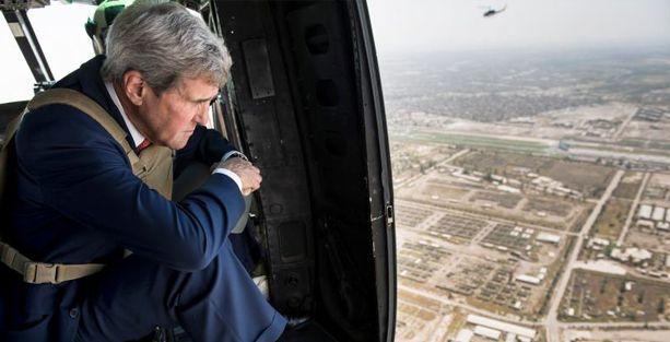 Bağdat'ta Kerry'ye bombalı karşılama