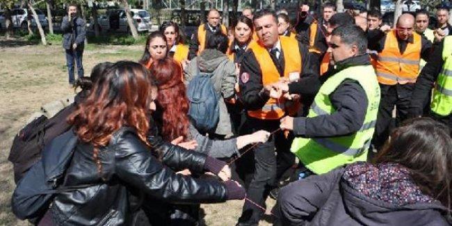 'Balonlar ideolojik renkte' deyip saldırdılar