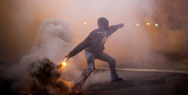 Baltimore direnişçileri sokağa çıkma yasağını tanımadı