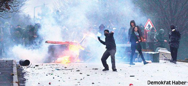 Başbakan'ı protestoya uzaklaştırma cezası