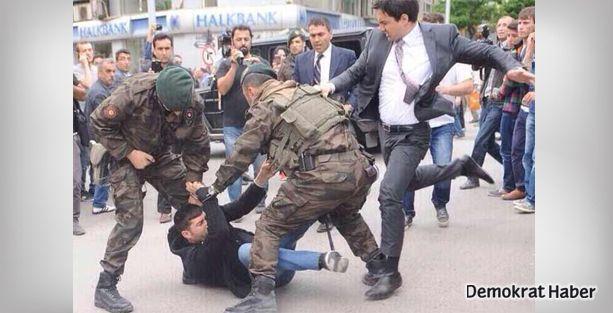 Başbakanlık Müşaviri Yerkel madenci yakınını tekmeledi