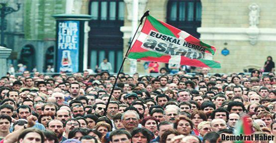 Bask ve Katalonya'da seçmen sandık başında