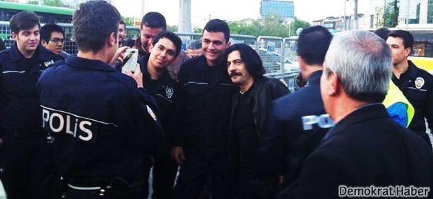 Bayülgen'den polisli fotoğrafa açıklama