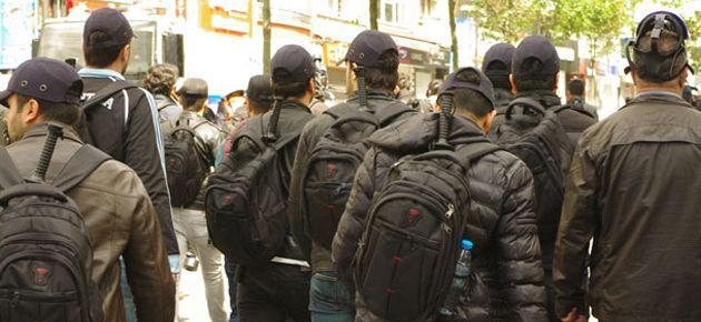 Beko: Eylemci görünümlü sivil polisler taş attı
