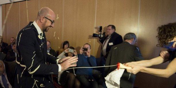 Belçika Başbakanı kendisine mayonez sıkan protestoculardan şikayetçi olmadı