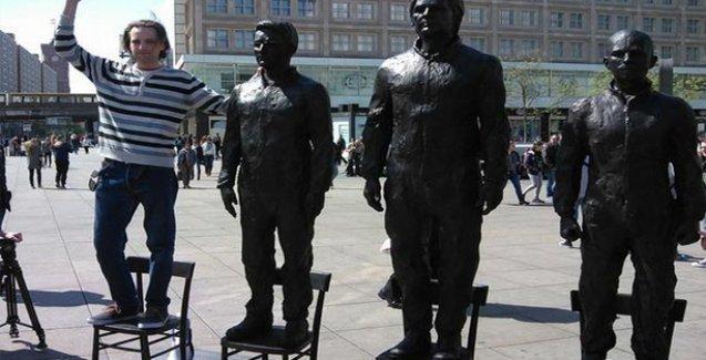 Berlin'e Assange, Manning ve Snowden'lı 'ifade özgürlüğü' heykeli