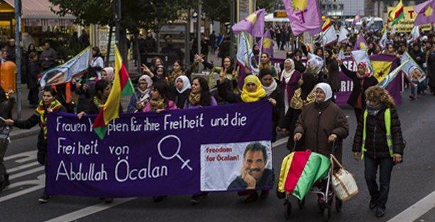 Berlin'de kadınlara ve Öcalan'a özgürlük yürüyüşü