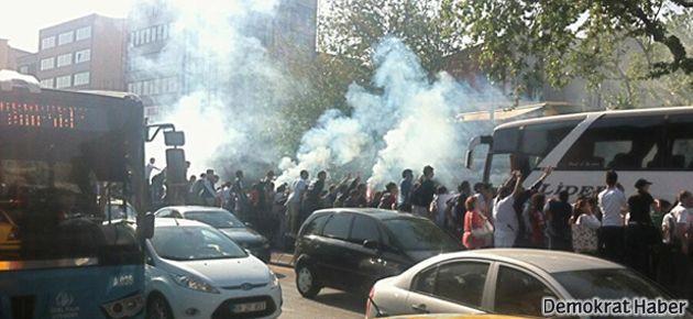 Beşiktaş Çarşı karıştı: Her yer gaza boğuldu