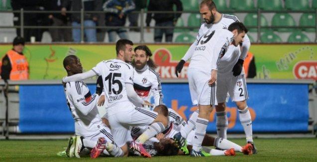 Beşiktaş, Rizespor'u yenerek liderliğe yükseldi