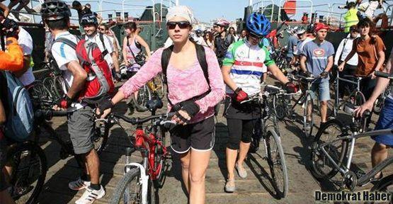 Bisiklet tutkunları Büyükada'da