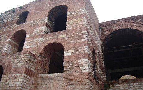 Bizans Sarayı için devletin parası yok