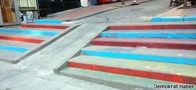Bordo-mavili merdiven Agos'a mesaj mı?
