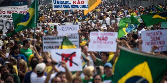 Brezilya'da milyonlarca kişi yolsuzluğu protesto etti