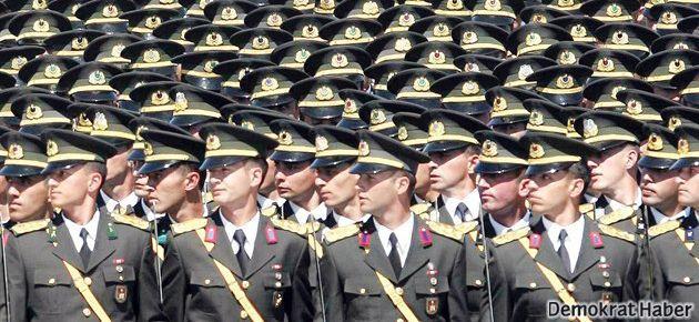 Cemaat orduya sızmak için soru çalmış!