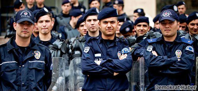 Cemaatin 'polis imamının' fotoğrafını yayınladılar