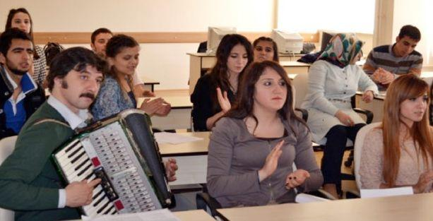 Çerkes Dili Edebiyatı Bölümü yeni öğrencilerini bekliyor