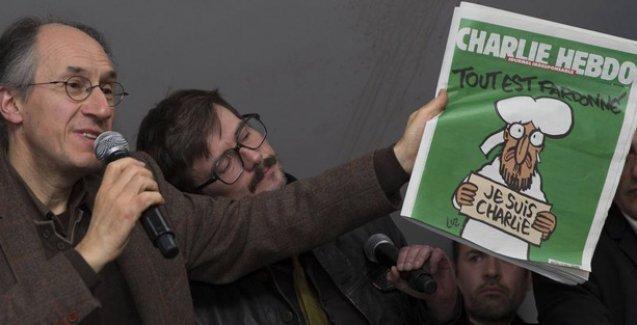 Charlie Hebdo: Türkiye laiklik yolundan sapıyor