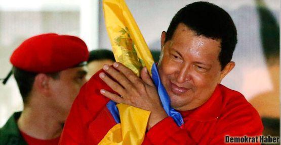Chavez 'toparlanmaya' başladı