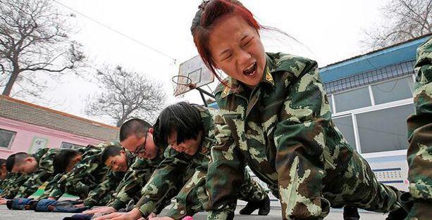 Çin, internet bağımlısı gençleri eğitim kamplarında tedavi ediyor