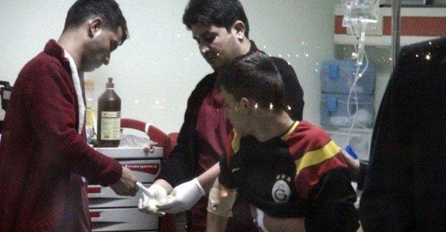 Cizre'de polis bir genci daha yaraladı