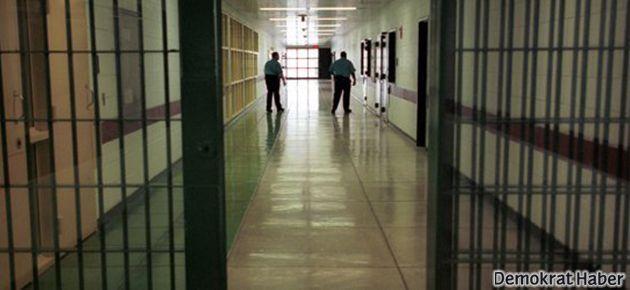 Çocuk tutuklular: Coplar ve borularla dövüldük!