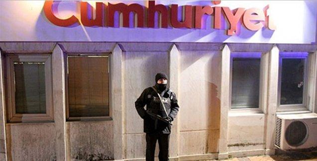 Cumhuriyet gazetesine Charlie Hebdo baskını