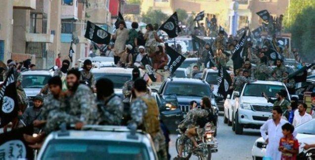 Daily Telegraph: IŞİD Rakka'da yaşayan Kürtleri sürgüne gönderiyor