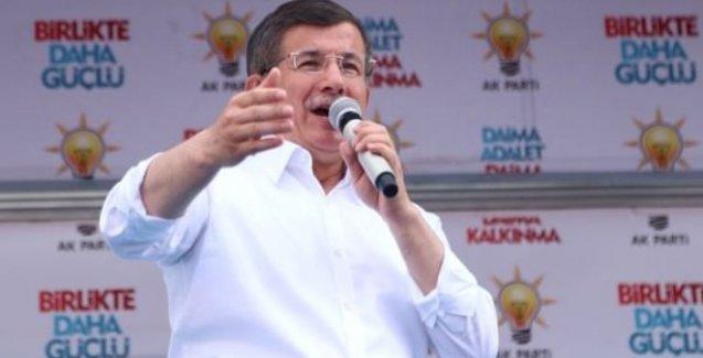 Davutoğlu'ndan Hürriyet'e: Oturun gazeteciliğinizi yapın