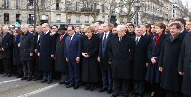 'Davutoğlu, yürüyüşe katılarak adeta 'Charlie Hebdo'nun mezarına tükürdü'