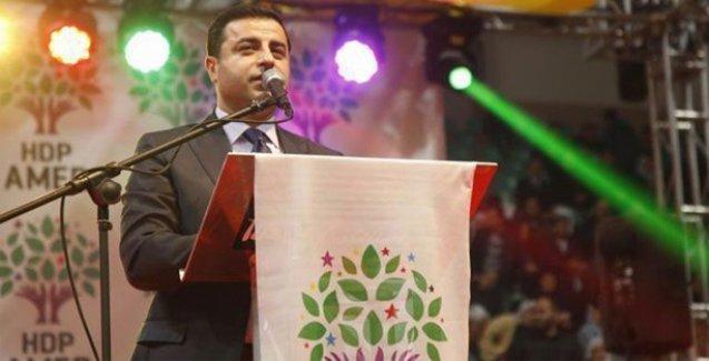 'Kobani'ye selam gönderirken samimiysen Rojava'nın statüsünü kabul et'