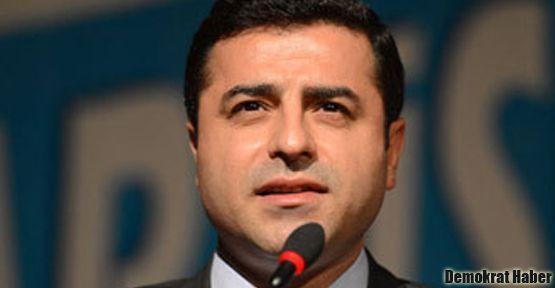 Demirtaş: Başbakan Paranoya yaşıyor