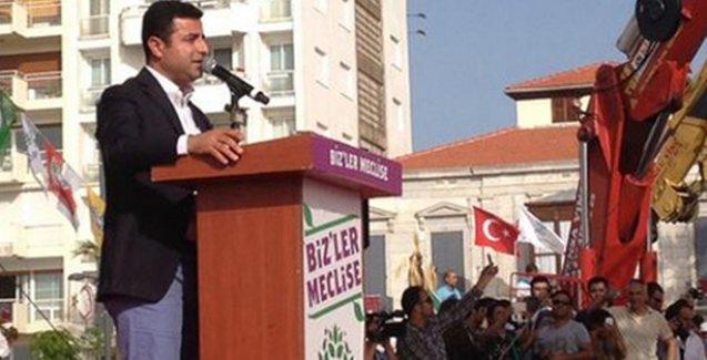Demirtaş: Herkes, iyi ki HDP'ye oy verdim de ampulün karanlığından kurtuldum diyecek