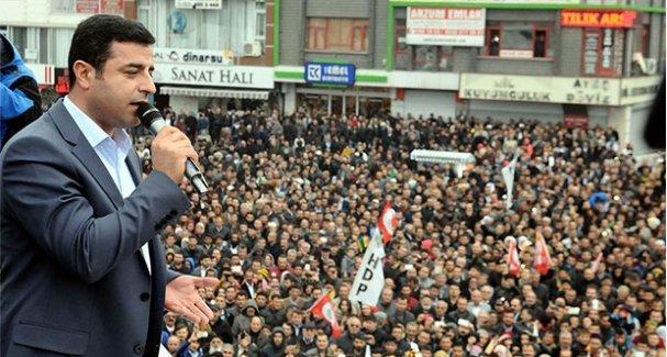 Demirtaş'ın yapacağı mitinge, ertesi gün Davutoğlu'nun mitingi var diye izin verilmedi
