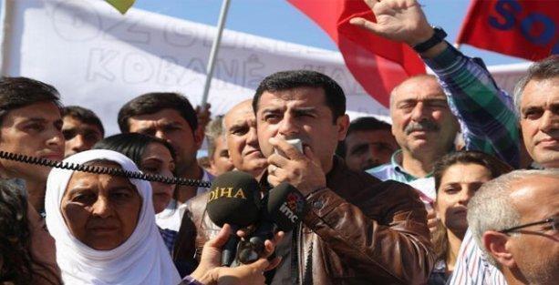 Demirtaş: IŞİD Türkiye'nin desteğini alarak ilerliyor