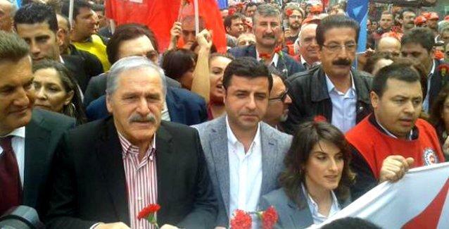 Demirtaş: Müslüman nasıl ki Kabe'ye gidiyorsa işçi de Taksim'e gidebilmeli